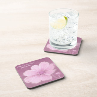 Porta-copos Uma flor cor-de-rosa do cosmos em um fundo