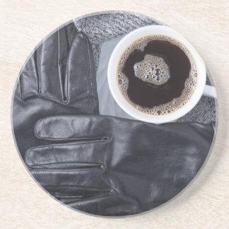 Porta-copos Vista superior de uma chávena de café branca e de