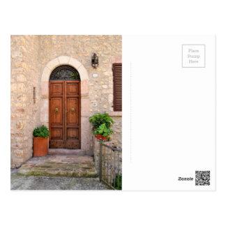Porta da frente velha italiana - cartão postal