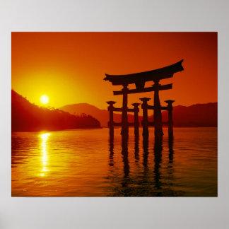 Porta de O-Torii, santuário de Itsukushima, Miyaji Poster