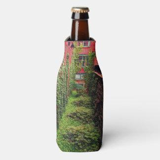 Porta-garrafa Refrigerador da garrafa - cena do tijolo & da hera