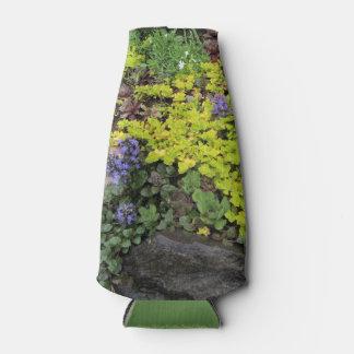 Porta-garrafa Vegetações rasteira do jardim da casa de campo do