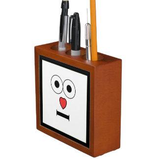 Porta-lápis Cara surpreendida com nariz do coração