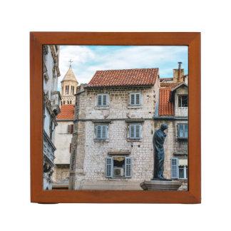 Porta Lápis Cidade velha, separação, Croatia