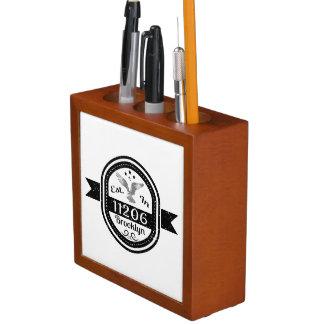 Porta-lápis Estabelecido em 11206 Brooklyn