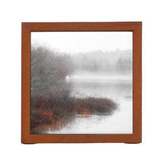Porta Lápis Lago nevoento em um dia de inverno