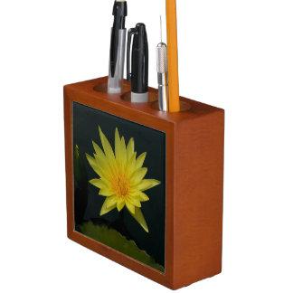 Porta-lápis Lotus amarelo Waterlily