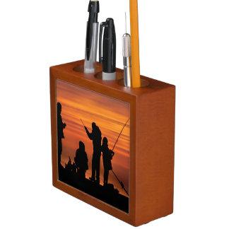 Porta Lápis Pessoas que pescam no quebra-mar