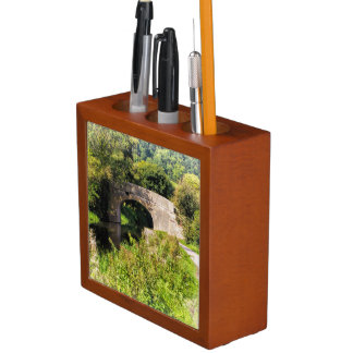 Porta-lápis Ponte sobre águas imóveis