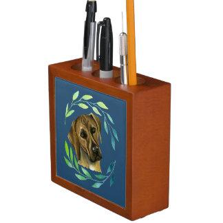 Porta-lápis Rhodesian Ridgeback com uma aguarela da grinalda