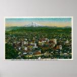 Portland e capa do Mt. na distância Poster
