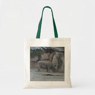 Pose engraçada do jardim zoológico sacola tote budget