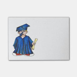 Post-it graduados da graduação do diploma do sticky notes