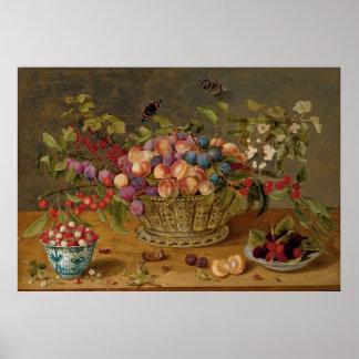 Poster Ameixas, abricós, cerejas e corintos em uma cesta