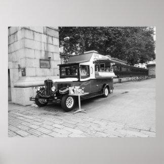 Poster Carro velho Londres do café & do Crepe