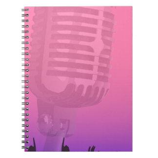 Poster da audiência da noite do karaoke cadernos