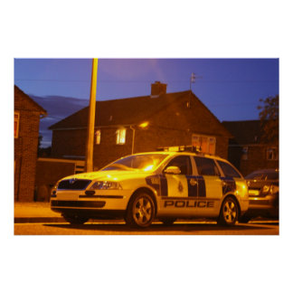 poster da noite do carro de polícia