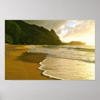 Poster da praia do Co. Haena do surf de Kauai Pôster