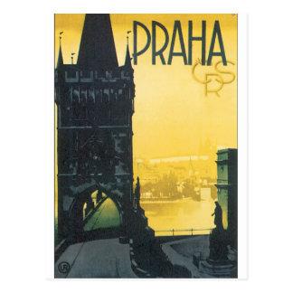 Poster das viagens vintage de Praha Cartão Postal