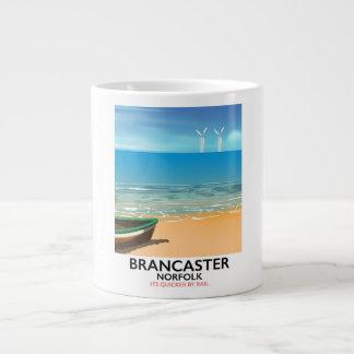 Poster de viagens Railway da praia de Brancaster Caneca De Café Gigante