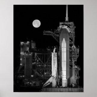 Pôster Descoberta do vaivém espacial na plataforma de