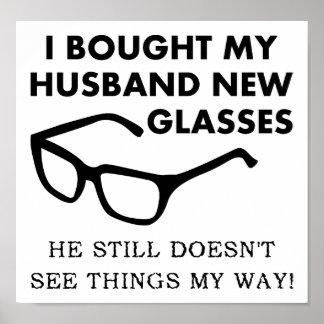 Poster engraçado dos vidros novos do marido