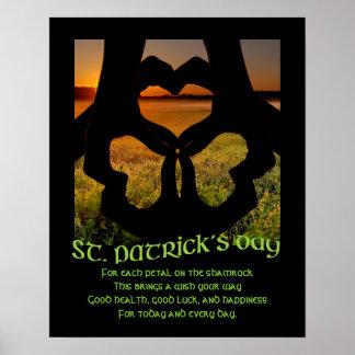 Poster irlandês do trevo S do coração da mão do