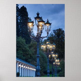 Poster Lâmpadas de rua na noite, Alemanha