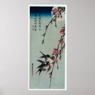 Pôster Lua, andorinhas, e flores do pêssego por Hiroshige