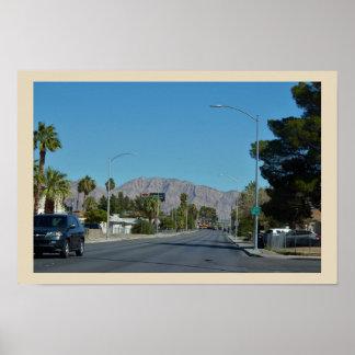Pôster Montanhas da rua das palmeiras