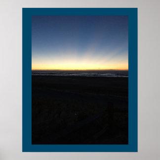 Poster O nascer do sol começa pelo oceano