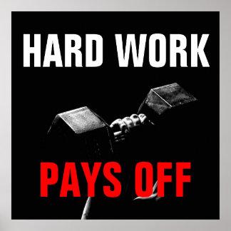 Poster O trabalho duro paga o treinamento fora