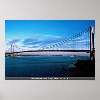 Pôster Os Verrazano-Estreitos constroem uma ponte sobre,