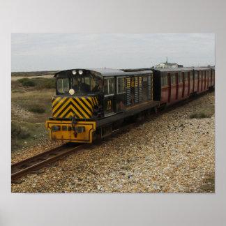 Poster pequeno com o trem diesel em Dungenes