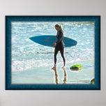 Poster pequeno da menina do surfista