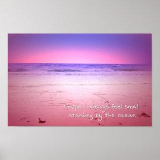Pôster por do sol sobre a água do oceano com citações