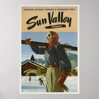 Pôster Viagens vintage dos esportes de inverno de Sun