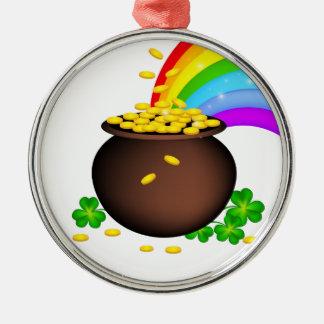 Pote da moeda do Dia de São Patrício com arco-íris Ornamento Redondo Cor Prata