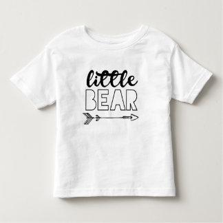 Pouca camisa da criança do urso