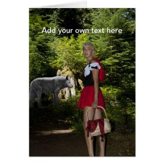 Pouca capa de equitação vermelha cartão comemorativo