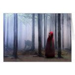 Pouca capa de equitação vermelha no Dia das Bruxas Cartão