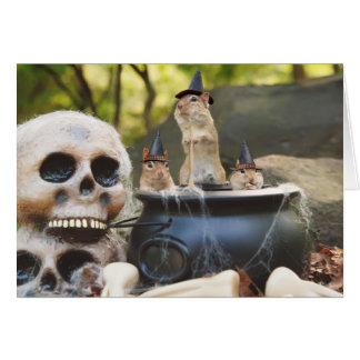 Pouco cartão das bruxas do Chipmunk