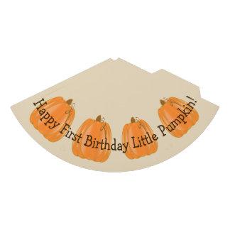 Pouco chapéu do aniversário da abóbora primeiro