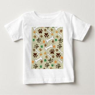 pows e osso do cão t-shirts