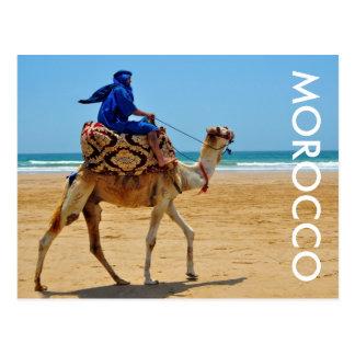 praia árabe do beira-mar do camelo do passeio de cartão postal