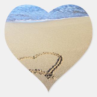 Praia do coração do amor adesivo coração