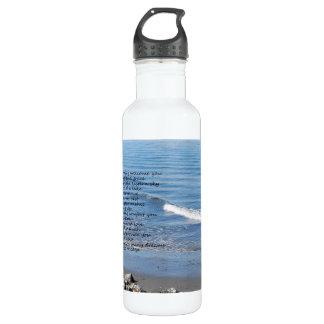 """Praia do oceano com poema """"presentes de um dia """""""
