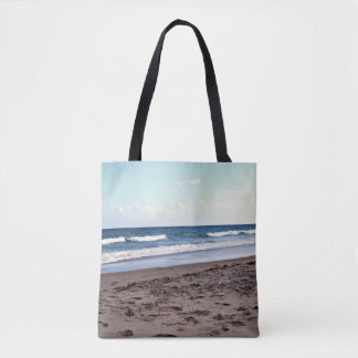 Praia no oceano bolsas tote