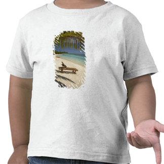 Praia, palmeiras & lounger camiseta