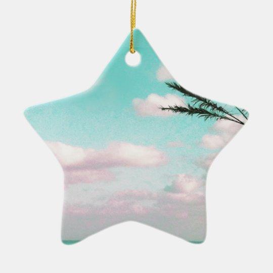 Praia tropical, vista para o mar, nuvens ornamento de cerâmica estrela
